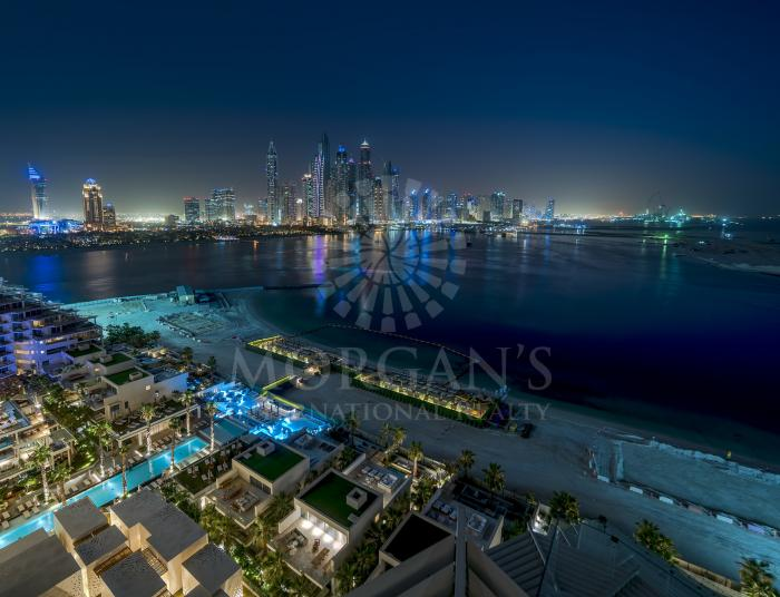 Luxurious 4BR Penthouse w Private Pool | VFIVE